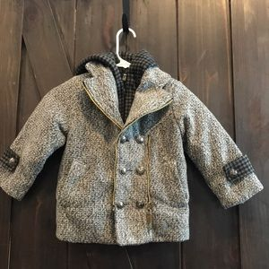 Other - Grey and black girls coat jacket zipper detail